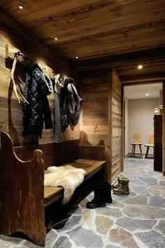 World class luxury ski holiday Chalet The Ecurie in St Martin de Belleville available to book through Ultimate Luxury Chalets. Chalet Chic, Chalet Style, Ski Chalet Decor, Lodge Decor, Chalet Design, Luxury Ski Holidays, Winter Holidays, Chalet Interior, Rustic Entryway