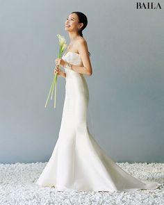 Wedding Attire For Women, Korean Wedding Photography, Wedding Venues Beach, Autumn Wedding, Wedding Shoot, Formal Dresses, Wedding Dresses, Wedding Styles, Wedding Hairstyles