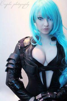 Avez-vous aimé le latex les ami(e)s ? En ce début de semaine voici un cosplay vraiment sympa de Raining Neon's : Comment trouvez-vous ce cosplay ? #sexy #cosplay