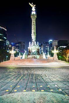 Angel de la Independencia, Glorieta en el Paseo de la Reforma. Mexico City