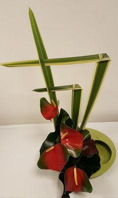 Arrangements Ikebana, Orchid Flower Arrangements, Modern Floral Arrangements, Creative Flower Arrangements, Ikebana Flower Arrangement, Church Flower Arrangements, Home Flowers, Table Flowers, Deco Floral
