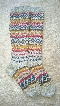 Fair Isle Socks by ippu's kirjoneulesukat on Ravelry . Crochet Socks, Knit Or Crochet, Knitting Socks, Hand Knitting, Knitting Projects, Crochet Projects, Knitting Patterns, Crochet Patterns, Fair Isle Knitting