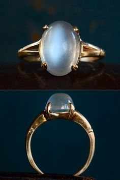 Moonstone and gold ring. Moon Jewelry, Moonstone Jewelry, Gems Jewelry, Jewelery, Jewelry Accessories, Jewelry Design, Blue Moonstone, Artisan Jewelry, Antique Jewelry