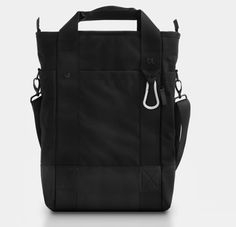 Bluelounge Bags - Laptop Tote. Wish it came w backpack straps