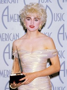 Madonna 1980s......Who's that girl!! Best movie! I want this dress !!!!! <3
