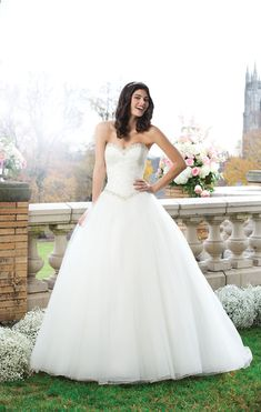 If you want to become a princess for the day, then look no further than a wedding dress from the 2014 Sincerity Bridal collection.