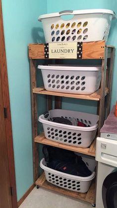 Interesting 15 pallet laundry basket holder ideas for easy and simple - roo Laundry Basket Holder, Laundry Room Baskets, Small Laundry Rooms, Laundry Room Organization, Plastic Laundry Basket, Pallet Laundry Room Ideas, Organizing, School Organisation, Laundry Closet
