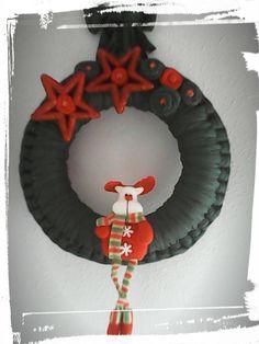 Corona navideña de trapillo