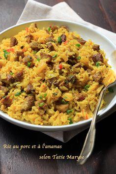 Essayez ce plat complet : le riz au porc et à l'ananas ! Une recette créole aux saveurs parfumées et épicées imaginée par Tatie Maryse! Recette facile.
