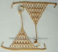 Hand Jewelry, Trendy Jewelry, Jewelry Sets, Fashion Jewelry, Gold Necklace Simple, Gold Choker Necklace, Rajputi Jewellery, Gold Jewellery Design, Jewelry Patterns