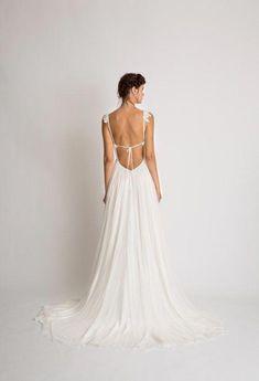 Esme - Alexandra Grecco - The Haven - Auckland Wedding Dress Boutique Country Wedding Dresses, Wedding Dresses Plus Size, Princess Wedding Dresses, Modest Wedding Dresses, Plus Size Wedding, Boho Wedding Dress, Wedding Attire, Bridal Dresses, Summer Dresses