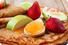 Protein Crêpes Recipe – A wheat free, sugar free recipe for protein pancakes/crepes.   Uses protein powder and oat flour.