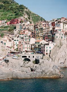 The town of Manarola in the Cinque Terre.  Arielle Doneson Photography via Entouriste.  Lovely!