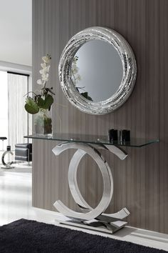 Inspiring mirror designs that will bring luxury to your home! These mirrors combined with a modern console table are the perfect combination. Entry Decor, Room Decor, Luxury Furniture, House Interior, Mirror Decor, Interior, Hall Decor, Salon Interior Design, Home Decor