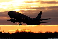 Boeing 737-300 aircraft picture