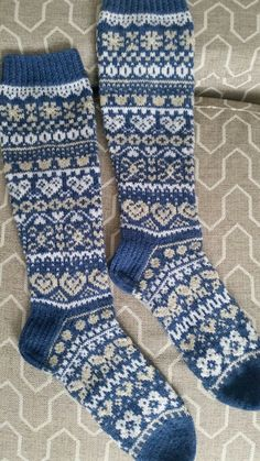 Knee High Socks, Projects To Try, Stockings, Knitting, Knitting And Crocheting, Socks, Tricot, Cast On Knitting, Pantyhose Legs