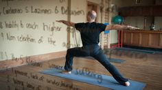 How yoga is helping prisoners stay calm || article on BBC