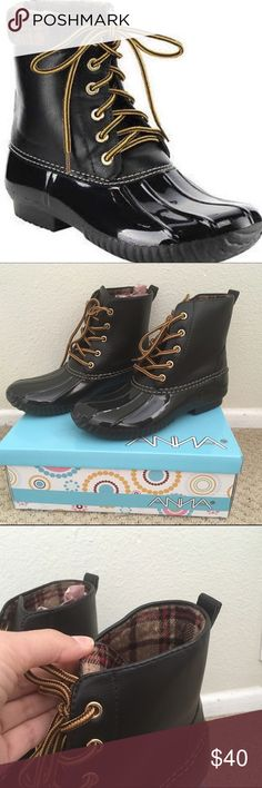 Black short rain boots Sperry style Black rain boots with flannel detail inside. Brand new in Box NIB. Will fit 8.5 and 9.  Resembles Sperry style boots. Really good quality and way cooler than your mama's knee high flowered rain boots. Wear these with rolled up boyfriend jeans or skinny jeans! Make me a reasonable offer. Anna Shoes Winter & Rain Boots