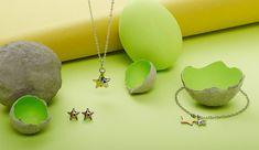 Zwei Sterne machen diesen filigrane Modeschmuck zu einem außergewöhnlichen Schmuckstück mit jugendlichem Charme. Mode Blog, Blog Love, Happy Easter, About Me Blog, Drop Earrings, Jewelry, Up, Original Gifts, Special Gifts