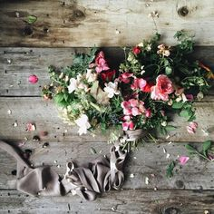 1,447 отметок «Нравится», 21 комментариев — Nicole Land (@soilandstem) в Instagram: «Another foraged bouquet for #LocalForAO . Pretty cuttings this morning include- Raspberry,…»