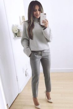 25 Beautiful Business Casual Outfits to Wear During Winter - Work Outfits Women - Business Attire Mode Outfits, Fashion Outfits, Chic Outfits, Classy Outfits, Glamorous Outfits, Fashion Boots, Look Boho, Elegantes Outfit, Winter Outfits For Work