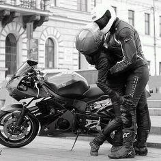"488 Likes, 8 Comments - Super Motorbikes  (@supermotorbikes) on Instagram: ""El amor el amor❤ #yamaha #alpinestar #love #kiss #moto #motogp #motolife #motosport #motorcycle…"""