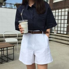 32 Women Korean Fashion You Will Want To Keep - Global Outfit Experts - Fashion Trends Korean Fashion Trends, Korean Street Fashion, Asian Fashion, Look Fashion, Girl Fashion, Fashion Outfits, Ladies Fashion, Fashion Shorts, Korea Fashion