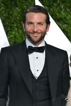 What is the hairstyle for Bradley Cooper? What are the best hairstyles for Bradley Cooper? Bradley Cooper Cheveux, Bradley Cooper Haare, Bradley Cooper Hot, Bradley Cooper Haircut, Brad Cooper, Jake Gyllenhaal, Gerard Butler, James Mcavoy, American Hustle