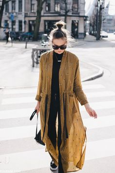 Street style simple / black skinnies w mustard kimono style duster coat / easy chic boho vibes