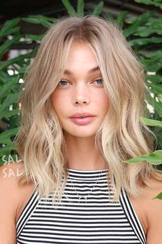 Medium length blonde hair - Hair and Makeup Love - Hair Styles Blonde Hair Blue Eyes, Blonde Short Hair, Blonde Hair With Layers, Medium Blonde Hairstyles, Medium Length Hair Blonde, Balyage Short Hair, Beach Blonde Hair, Hairstyles Haircuts, Girls With Blonde Hair