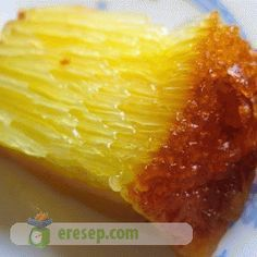 Bika Ambon Recipe Wish I could find the English Asian Snacks, Asian Desserts, Sweet Desserts, Indonesian Desserts, Indonesian Cuisine, Malaysian Dessert, Malaysian Food, Snack Recipes, Dessert Recipes