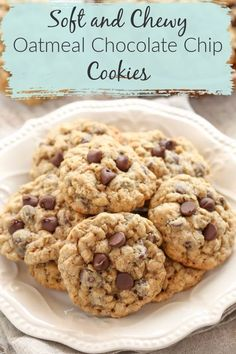 These Oatmeal Chocolate Chip Cookies are packed with oats and chocolate chips. They are incredibly soft and chewy cookies. These oatmeal chocolate chip cookies are so easy to make and out of this world delicious! - Chocolate Chip - Ideas of Chocolate Chip Easy Cookie Recipes, Baking Recipes, Dessert Recipes, Cookie Ideas, Oatmeal Chocolate Chip Cookie Recipe, Chocolate Recipes, Cookies With Chocolate Chips, Easy Oatmeal Cookies, Cookies Soft