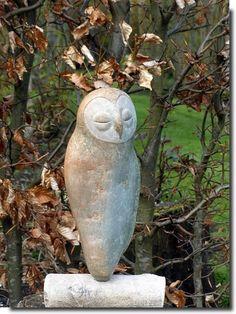 beeldhouwatelieramstelveen.punt.nl Owl Art, Bird Art, Ceramic Birds, Stone Sculpture, Bone Carving, Animal Sculptures, Garden Art, Animals And Pets, Sculpting