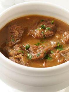 Sopa de cebola em caldo de carne