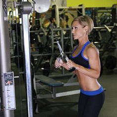Triceps Pressdowns with Straight Bar and Narrow Grip 3 sets 10 reps