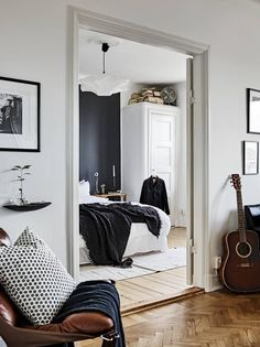 'Minimal Interior Design Inspiration' is a weekly showcase of some of the most perfectly minimal interior design examples that we've found around the web - all Interior Design Examples, Interior Design Inspiration, Modern Scandinavian Interior, Rustic Apartment, Cool Rooms, Home Bedroom, Interior And Exterior, Interior Decorating, Decoration