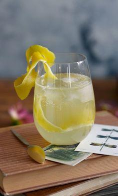 Sitruuna-inkiväärilemonade | Maku Cocktail Drinks, Alcoholic Drinks, Cocktails, Gin, Vodka, My Cookbook, Liqueur, Bbq Pork, Smoothies