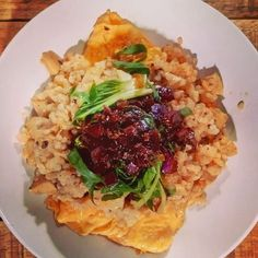 Vegan lunch - Keto V-Omelet Miracle Bamboo Risotto Bok Choy Teriyaki - Vegan egg omelet topped with miracle rice mixed with bamboo shoot cubes flavored with coconutmilk and chili oil topped with a steamed bok choy julienne flavored with a homemade teriyaki sauce - delicious flavorful plant-based meal for cruelty-free food lovers  Find more delicious detailed recipes and information here: michelnilles.com/category/recipes/  #vegan #veganeats #vegancook #veganfoodporn #veganfood #foodtube…