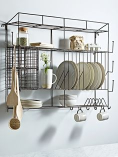 The ultimate storage solution for your kitchen space. Victoria's Kitchen, Kitchen Rack, Kitchen Interior, Interior Design Living Room, Kitchen Decor, Kitchen Design, Metal Kitchen Shelves, Kitchen Wall Storage, Metal Storage Racks