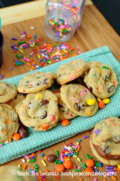 Soft and Chewy Funfetti Birthday Cake Cookies - Cake batter cookies (made without cake mix) loaded with sprinkles and other happy mix-ins! h...