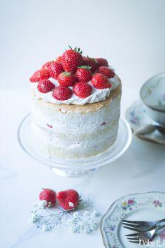 Strawberry Layer Cake / Erdbeertorte
