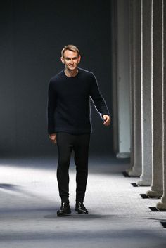 Love ! i liked every pieces Neil Barrett Fall 2015 Menswear - Collection - Gallery - Style.com