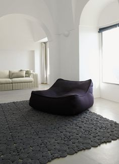 Lounge chair, chaise lounge and pouf for outdoor environments with fully removable cover The internal padding is made of polystyrene spheres contained in. Luxury Furniture, Home Furniture, Furniture Design, Modern Furniture, Lounges, Lounge Chair, Relax Chair, Comfy Chair, Interior Architecture