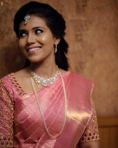 Unique South Indian Bridal Jewellery Ideas For This Wedding Season Wedding Saree Blouse Designs, Pattu Saree Blouse Designs, Saree Blouse Patterns, Fancy Blouse Designs, South Indian Blouse Designs, Wedding Blouses, Bridal Sarees South Indian, South Indian Bridal Jewellery, Wedding Silk Saree