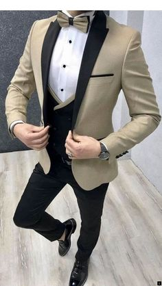 Mens Casual Suits, Dress Suits For Men, Classy Suits, Mens Suits, Men Dress, Blazer Outfits Men, Mens Fashion Blazer, Suit Fashion, Wedding Dresses Men Indian