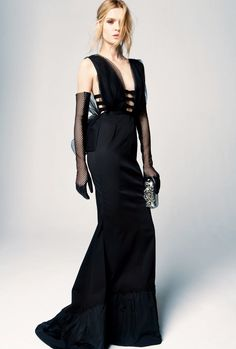 Nina Ricci Pre-Fall 2012 Fashion Show - Josephine Skriver