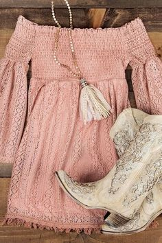 Simple fashion casual gold and apricot heels boots. Casual light apricot and pink off shoulder lace sweet skate dress. Cool trendy chic necklace with tassels and bead for women this summer ootd. 99 Amazing Winter Outfits Ideas For Teens Country Style Outfits, Country Fashion, Summer Country Outfits, Cute Country Dresses, Summer Cowgirl Outfits, Southern Fashion, Mode Outfits, Fashion Outfits, Womens Fashion