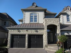 """Prestigious Watercliffe Court locale backing onto a lush ravine!  An enclave of Fernbrook Homes detached freehold townhomes with distinctive chateau-inspired architectural details.  The show stopping """"Worthington"""" model offers approximately 2,695 square feet of upscale living space plus a professionally finished lower level roughly offering an additional 600 square feet of luxury. #Oakville #Burlington #Luxuryhomes #Prestigioushomes #Realestate www.searchoakvillerealestate.com dancooper.com"""
