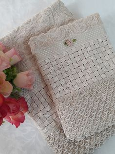 Bargello Needlepoint, Hand Embroidery Tutorial, Cross Stitch Embroidery, Lace Shorts, Crochet, Pink, Design, Linen Tablecloth, Bath Towels & Washcloths