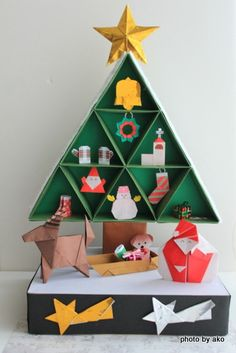 折り紙作品 Small Christmas Trees, Christmas Tree Design, Xmas Tree, Christmas Origami, Christmas Crafts, Christmas Ornaments, Paper Crafts Origami, Origami Ideas, Japanese Origami